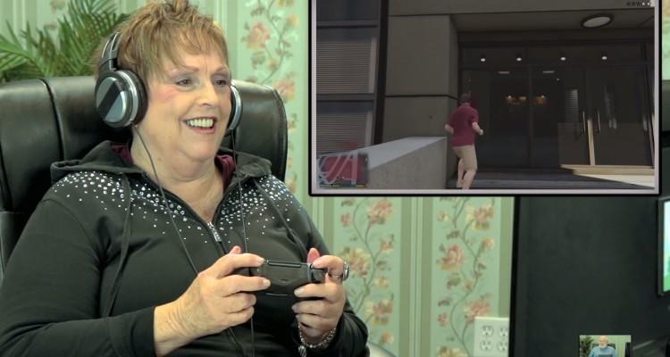 Persona mayor juega Grand Theft Auto V